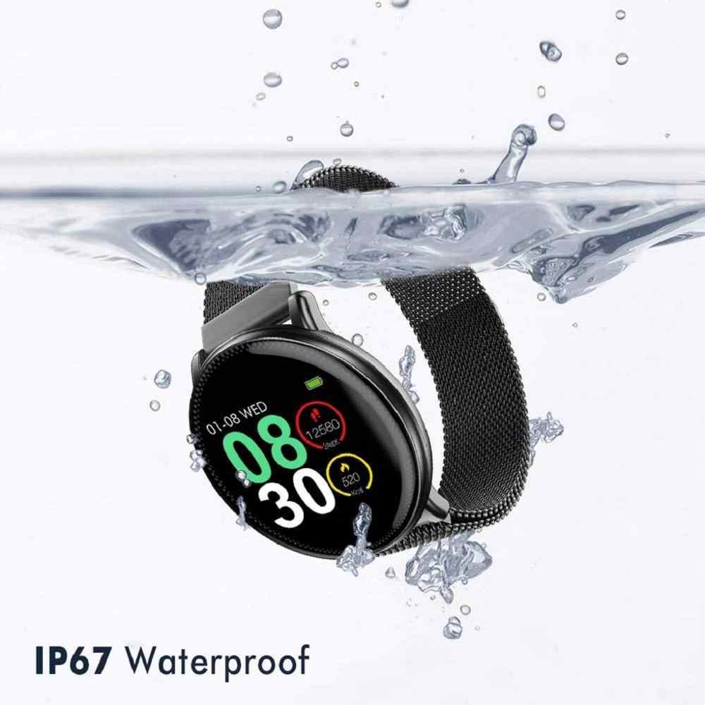 الساعة متوافقة مع اى نظام تشغيل  IOS و Android  الساعة أوستيكها مغناطيس عالى الجوده  اقصى مدة عمل للبطارية تدوم 3 أيام عمل  يتم شحن البطارية خلال ساعه  شاشة الساعة تعمل عن طريق اللمس  الساعة ضد الماء  اى حركه ستضىء الساعه
